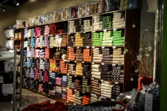sweaters-428625_1920